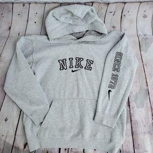 NIKE Sweatshirt Hoodie in Boy size L